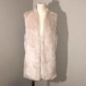 Banana Republic Faux Fur Vest Stole Ivory Like New